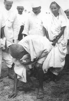 Gandhi during the salt march