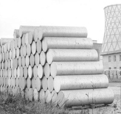 pile of aluminium cylinders
