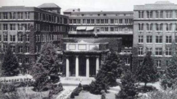Black and white photo of The University of Rochester's Strong Memorial Hospital, 1946